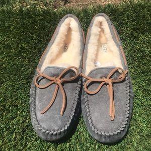 Women's UGG Dakota Water Resistant Slippers Sz 8